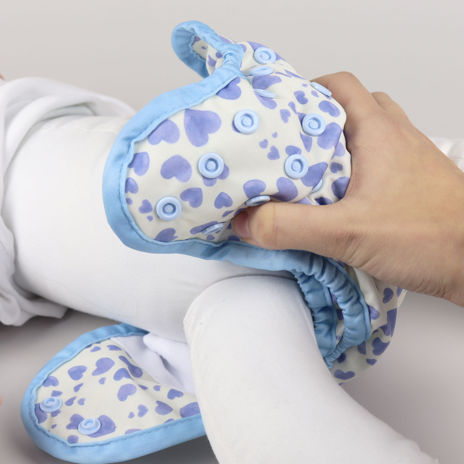 Fitting Cloth Nappies | The Nappy Gurus